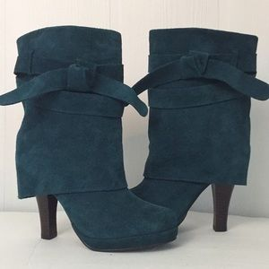Restricted Suede ankle boots real wrap Sz 6.5